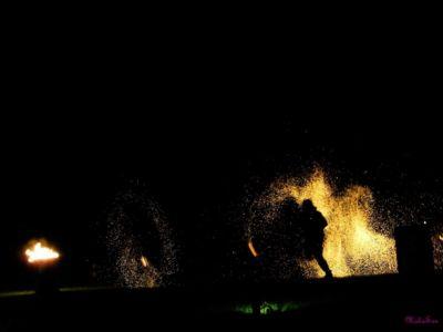 Le-peuple-du-feu-jonglerie-bolas-feu-normandie-spectacle-animation